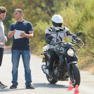 Fahr- und Sicherheitstraining für Motorradfahrer